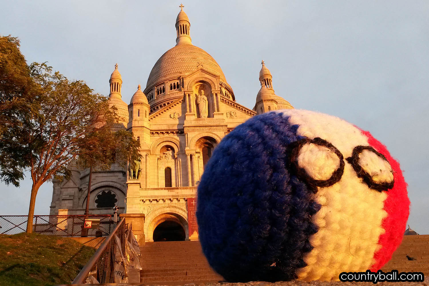 Franceball in front of Sacre Coeur at Dawn