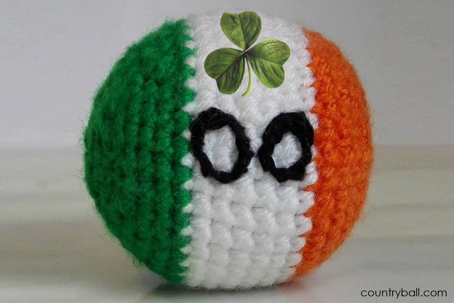 Irelandball with Shamrock