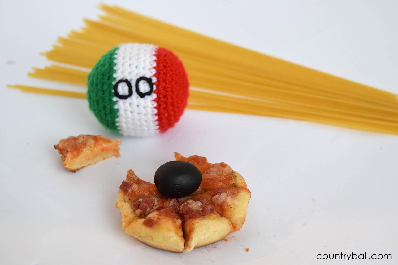 Italyball Eating Pizza and Pasta