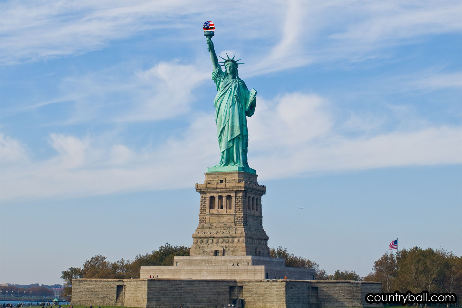 The Statue of Liberty holding an USABall
