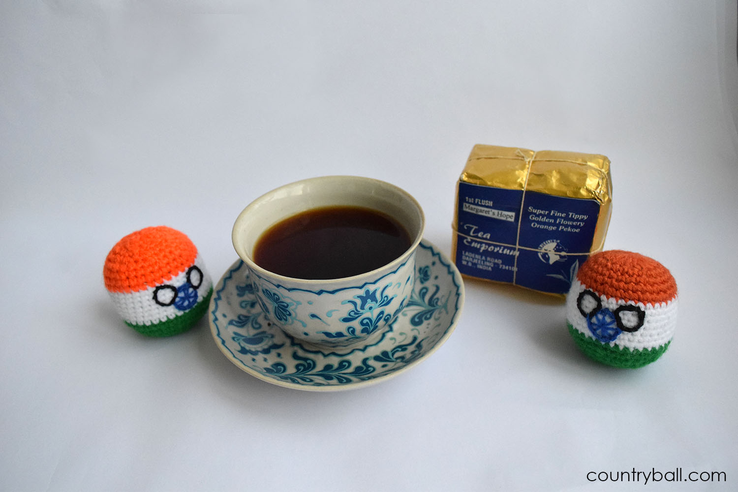 Indiaball with an amazing Tea from Darjeeling